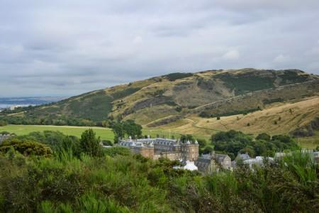Palace of Holyroodhouse | Edinburgh | Scotland | StyleFeelFree