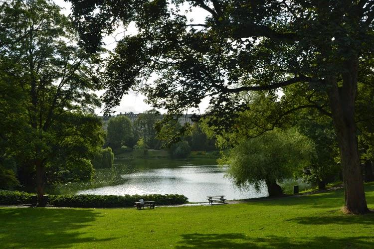 Lago en el parque de Orstedsparken, Copenhague | stylefeelfree