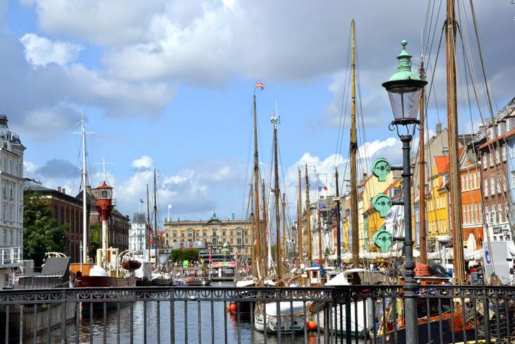 Nyhavn en Copenhague por stylefeelfree