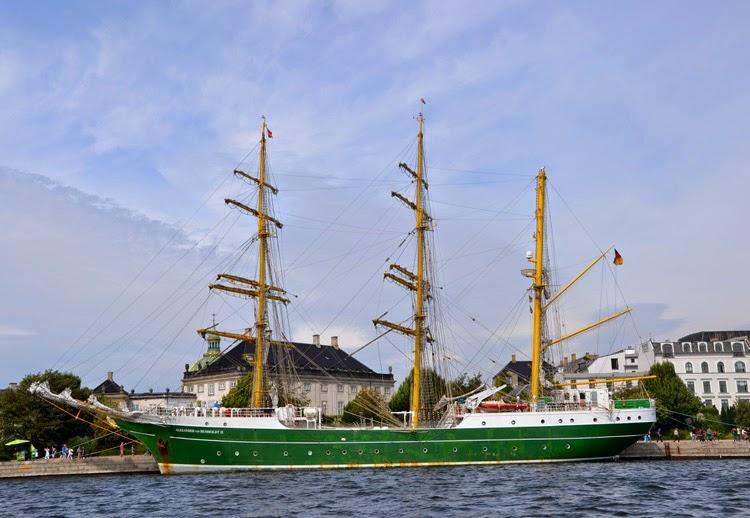 Barco en Amaliehaven, Copenhague | stylefeelfree