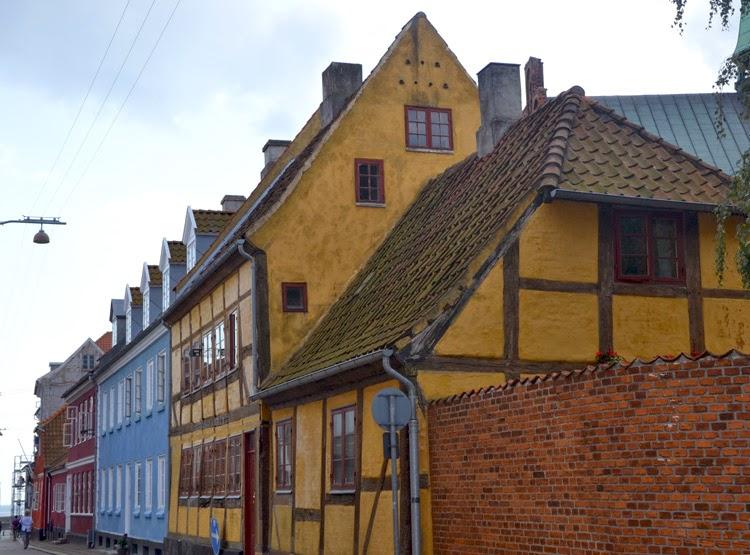 Casas de colores en Helsingor, Dinamarca | stylefeelfree