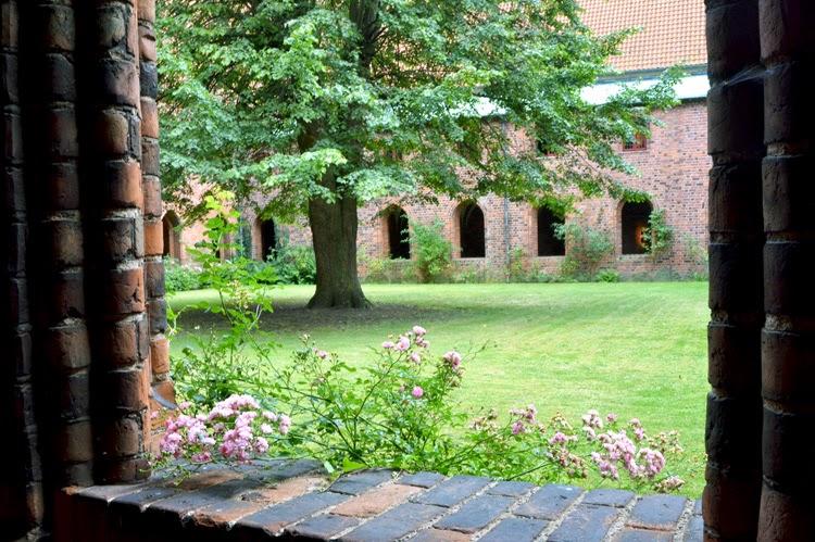 Convento carmelita en la iglesia de Saint Mary, Helsingor, Dinamarca | stylefeelfree