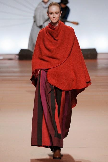 tendencias mantas y mantones  Issey Miyake capa-manta   stylefeelfree